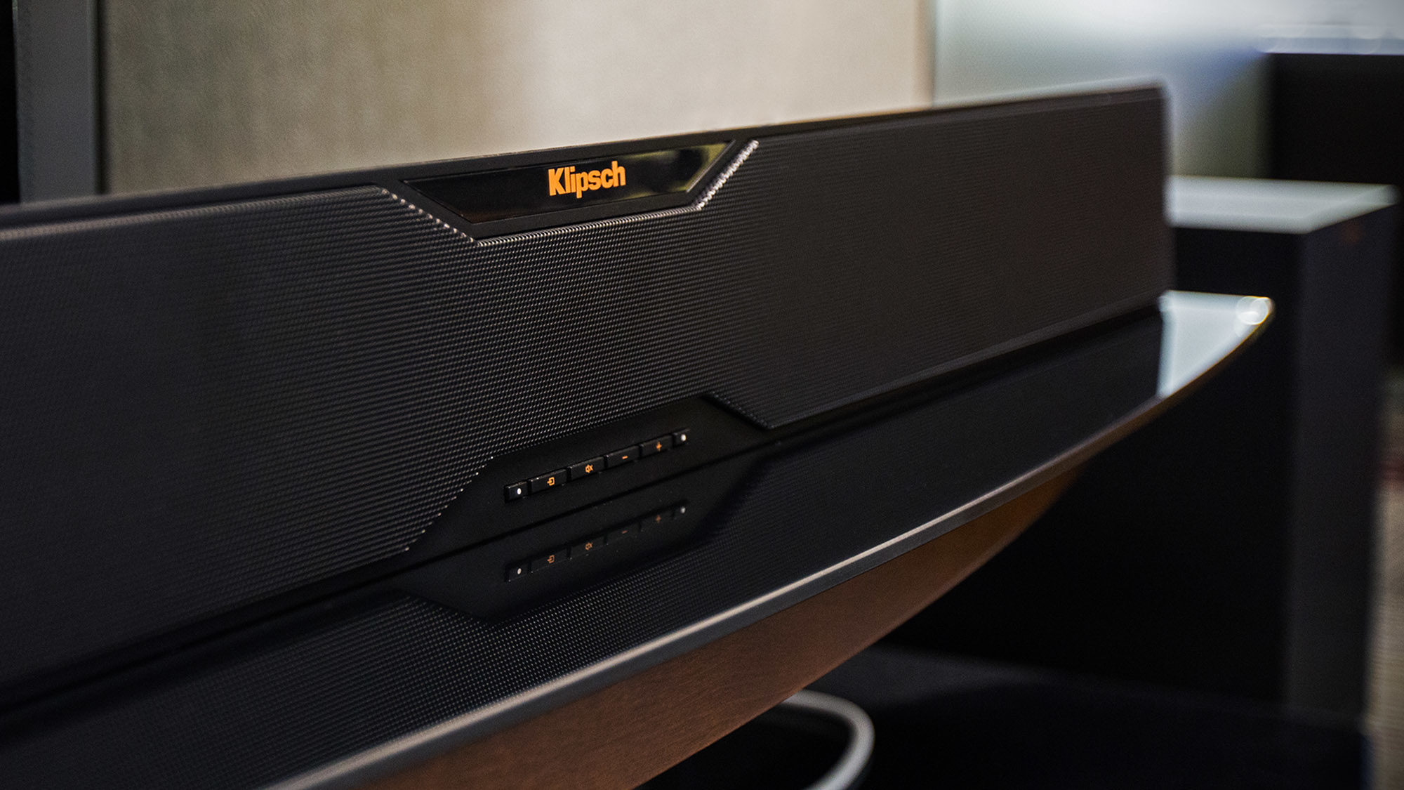 Klipsch  Reference  Soundbars  Lifestyle